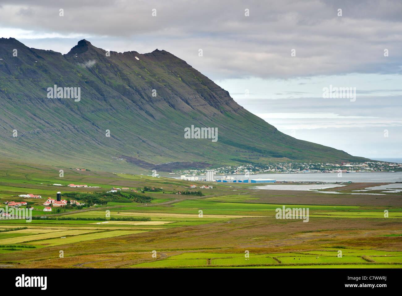 Neskapustadur, un fjord, ville de l'Islande. Photo Stock