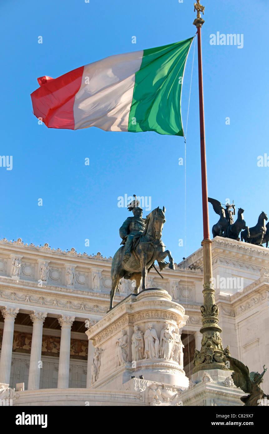 Monument, près de l'une des statues sur le monument à Victor Emmanuel II, Rome, Italie, Europe Photo Stock