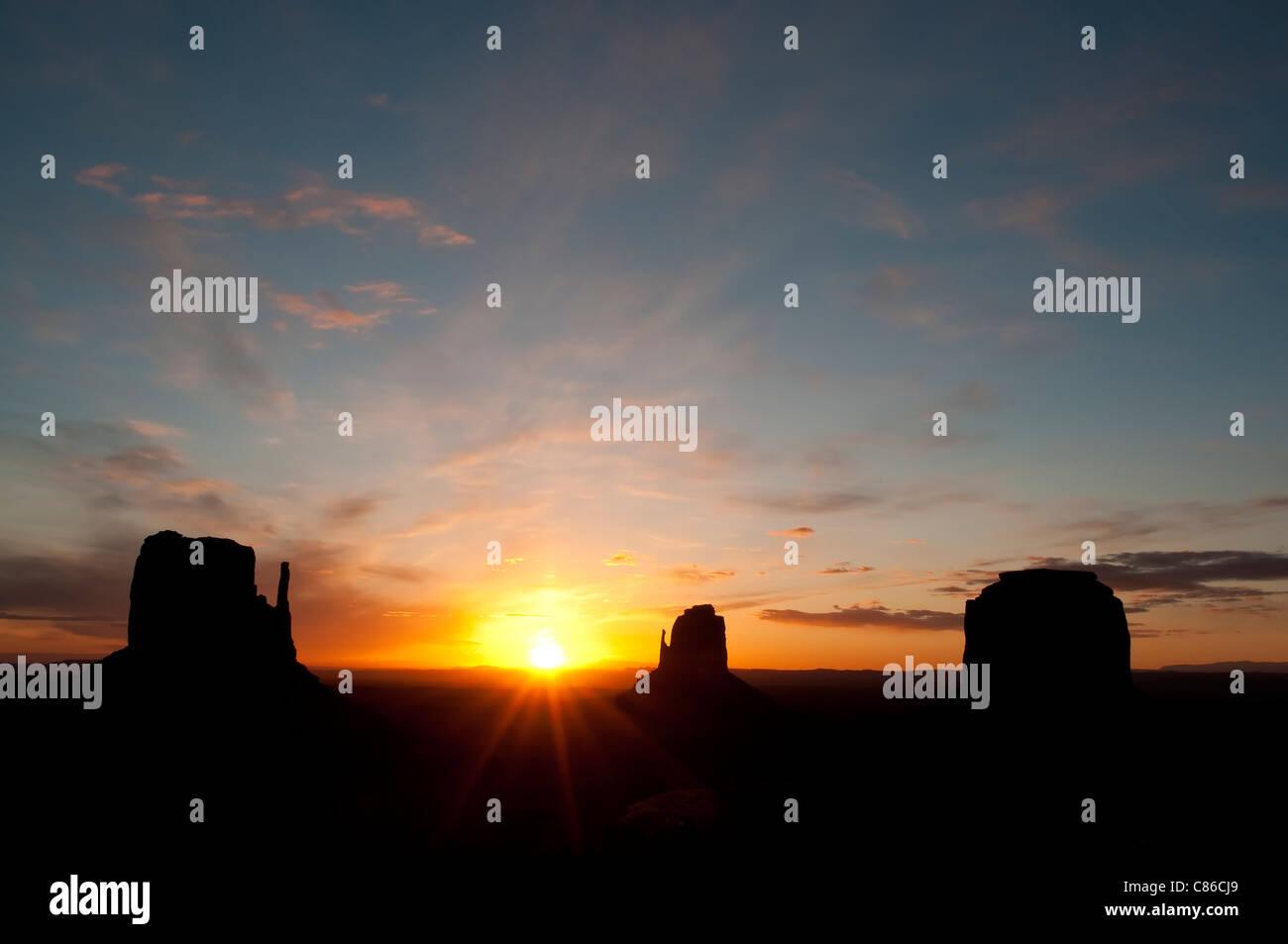 Monument Valley au lever du soleil Photo Stock