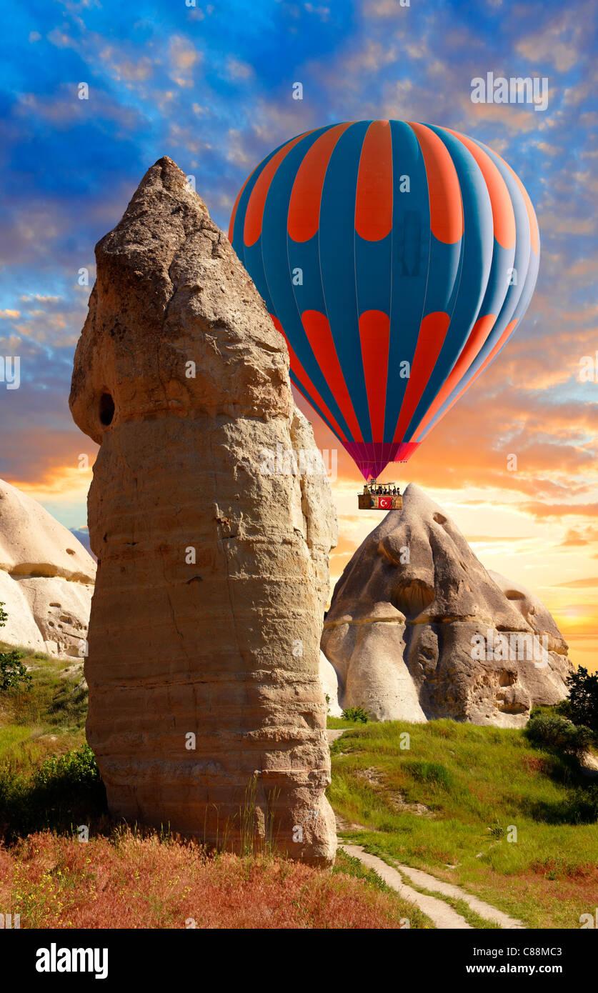 L'air chaud sur la vallée de l'amour les Baloons , Cappadoce Turquie Photo Stock