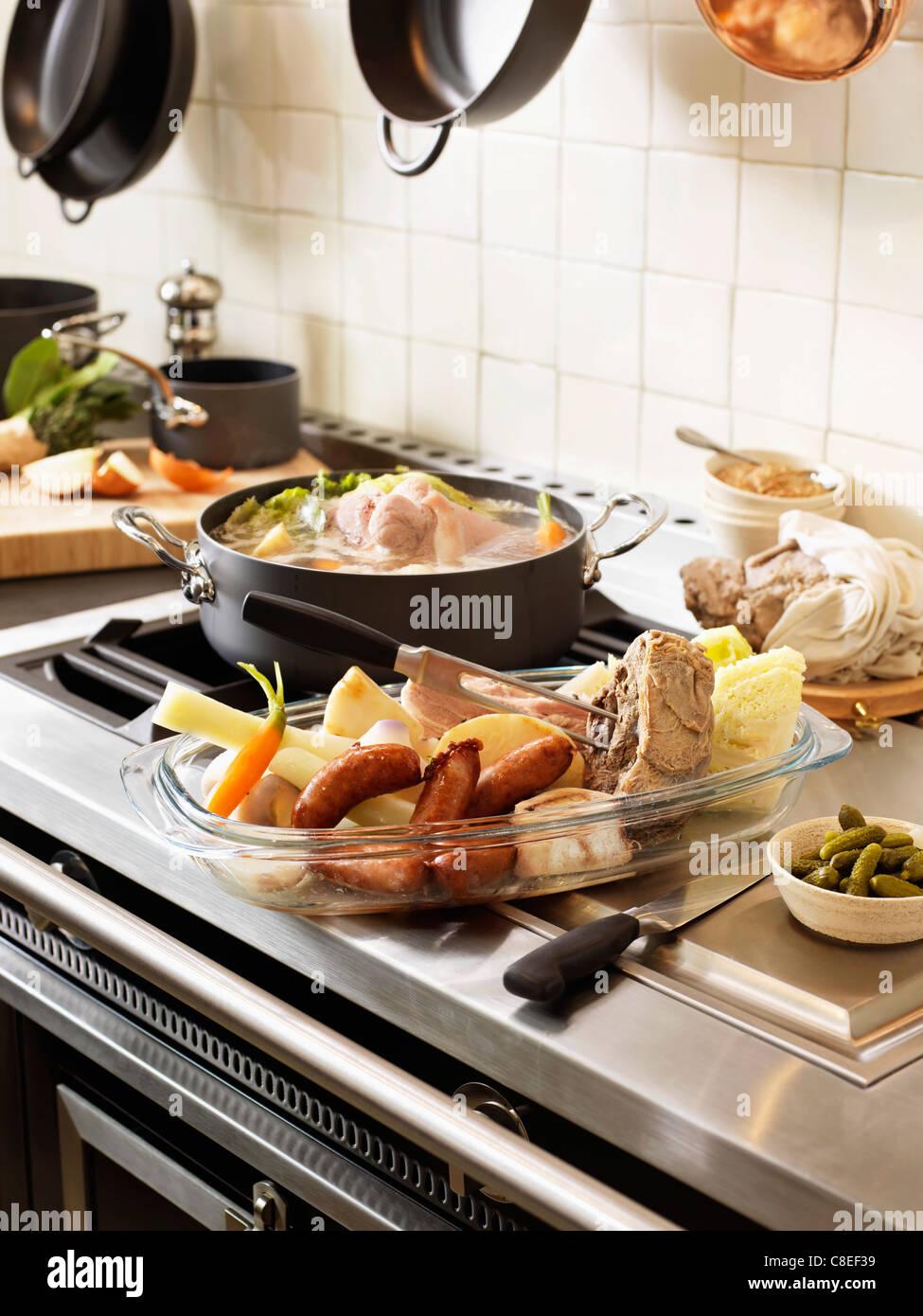 Breton Pot-au-feu avec de la farine de sarrasin et de petit salé bacon Photo Stock