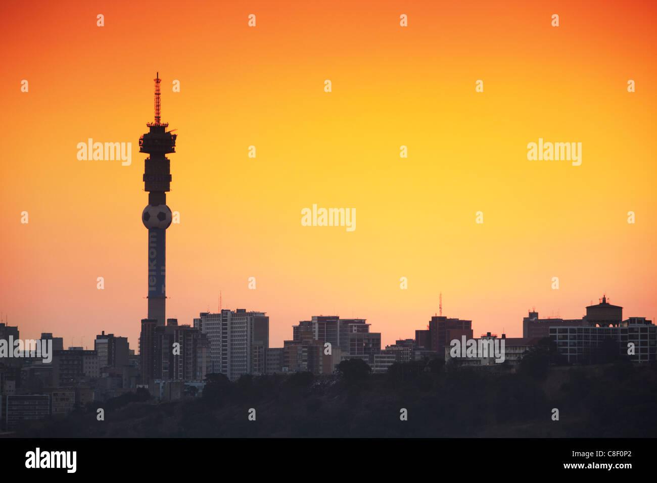 Vue sur les toits de Johannesburg au coucher du soleil, Gauteng, Afrique du Sud Photo Stock