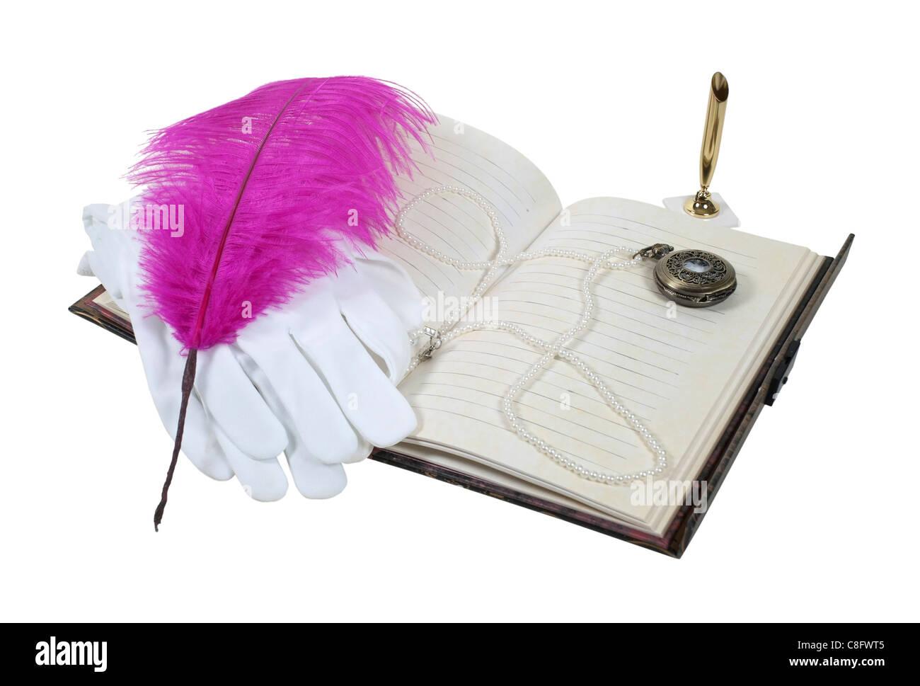 Livre avec un stylo à plume avec des gants blancs et une montre de poche - chemin inclus Photo Stock