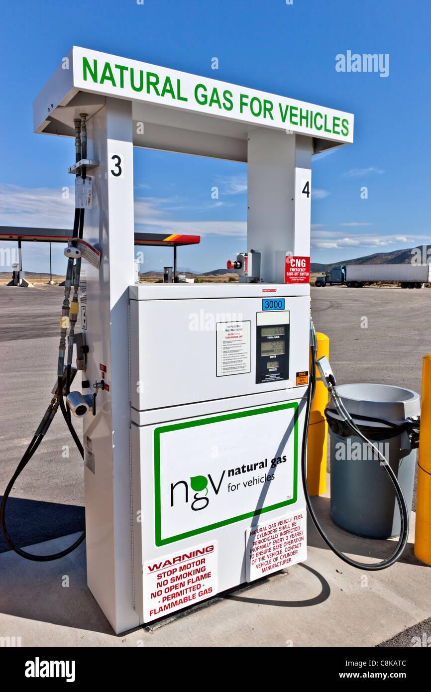 Pompe à carburant gaz naturel pour les véhicules Photo Stock
