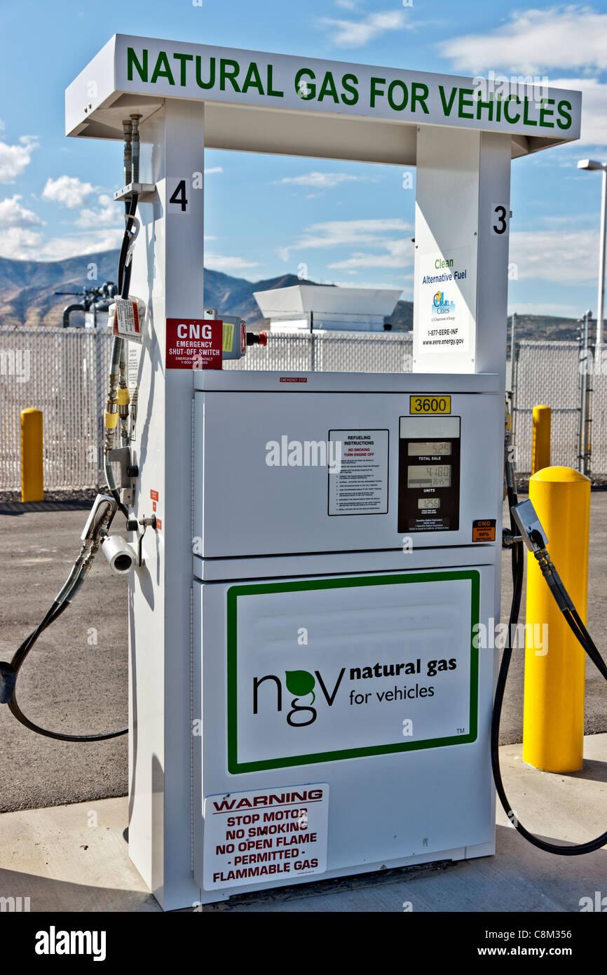 Pompe à carburant gaz naturel pour les véhicules. Photo Stock