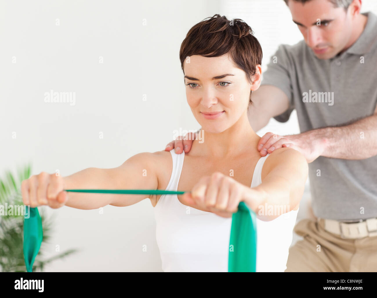 Certains patients faisant des exercices spéciaux sous surveillance Photo Stock