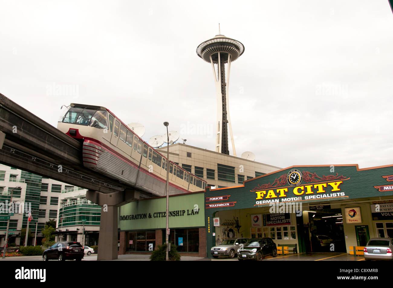 Fat City Garage Fat City Garage Spécialiste du moteur allemand Seattle Space Needle et EMP Monorail Seattle Photo Stock