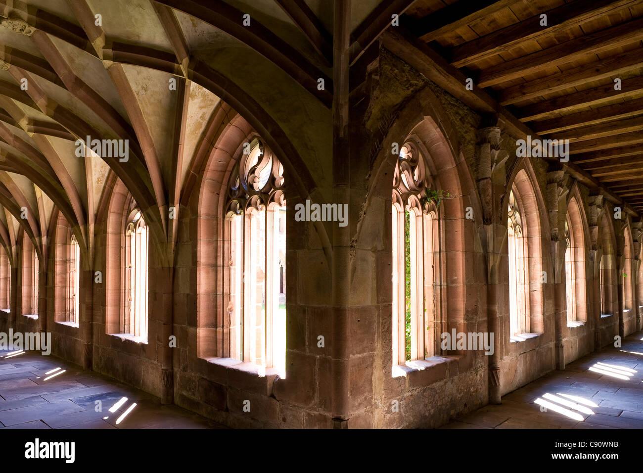 Le cloître d'abbaye d'Alpirsbach, ancien monastère bénédictin, Alpirsbach, Bade-Wurtemberg, Photo Stock