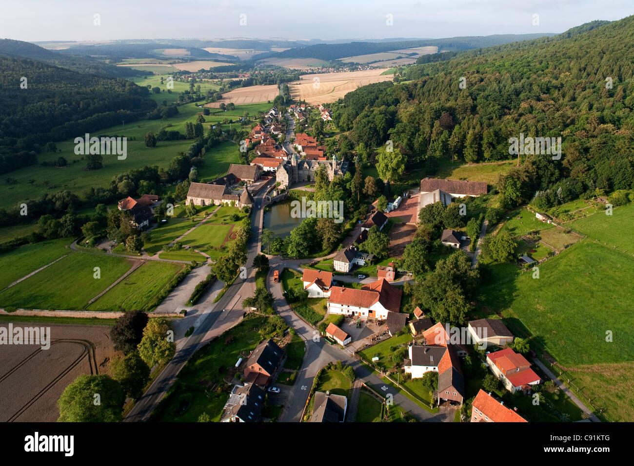 Vue aérienne du château en Haemelschenburg Emmerthal, Hamelin-pyrmont, Basse-Saxe, Allemagne Banque D'Images