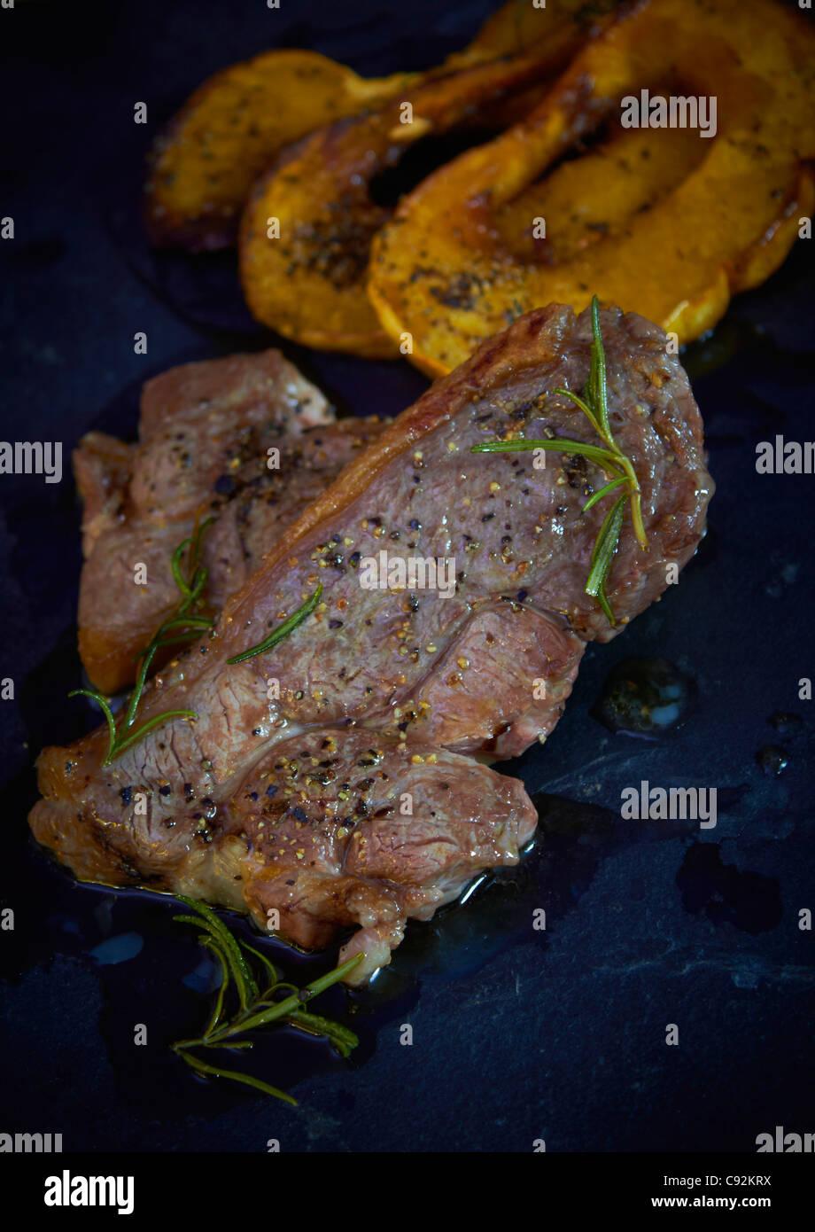 Gigot d'agneau grillé cuit steak Photo Stock