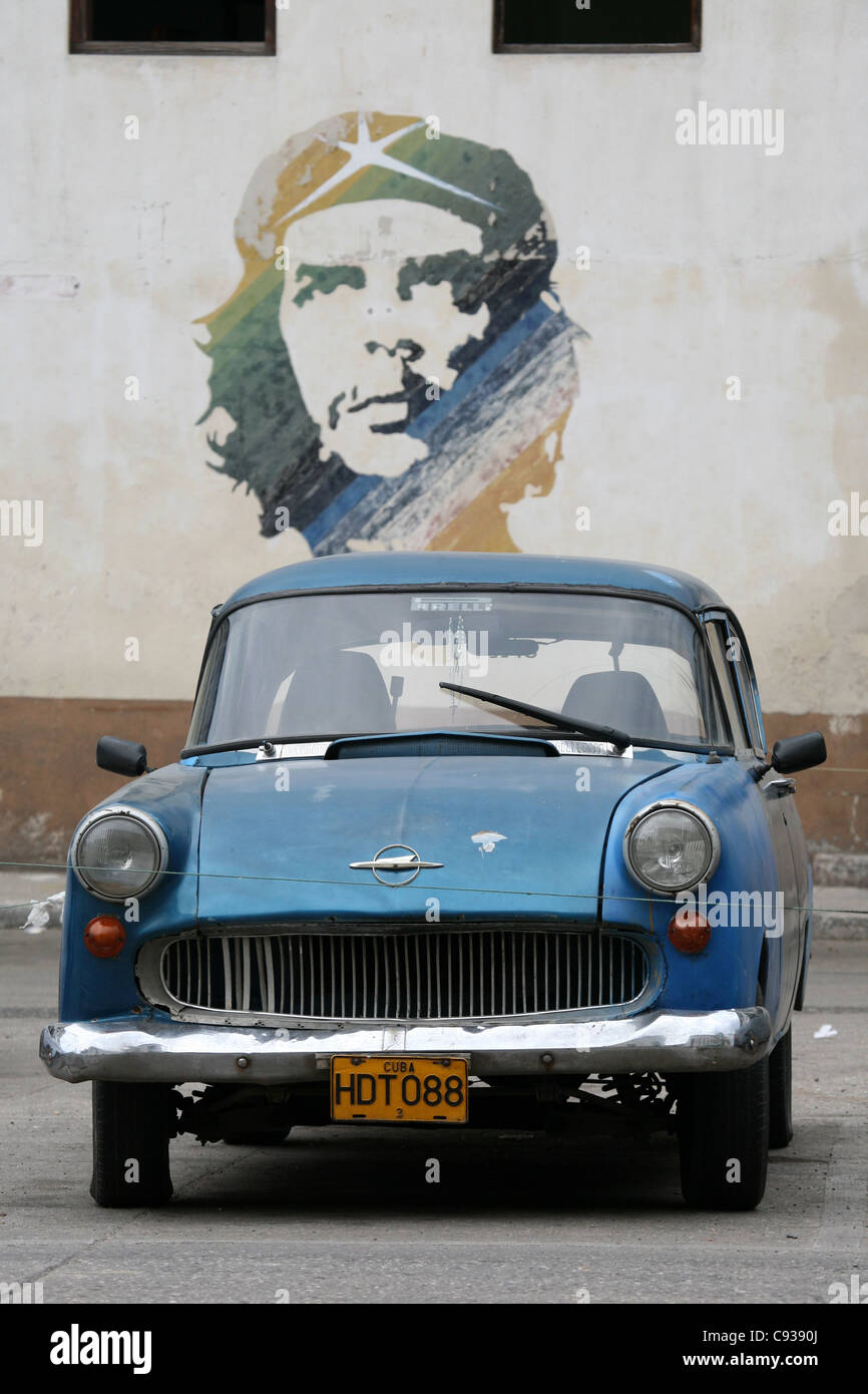 Basé sur le graffiti célèbre photographie de Ernesto Che Guevara par Alberto Korda à La Havane, Cuba. Banque D'Images