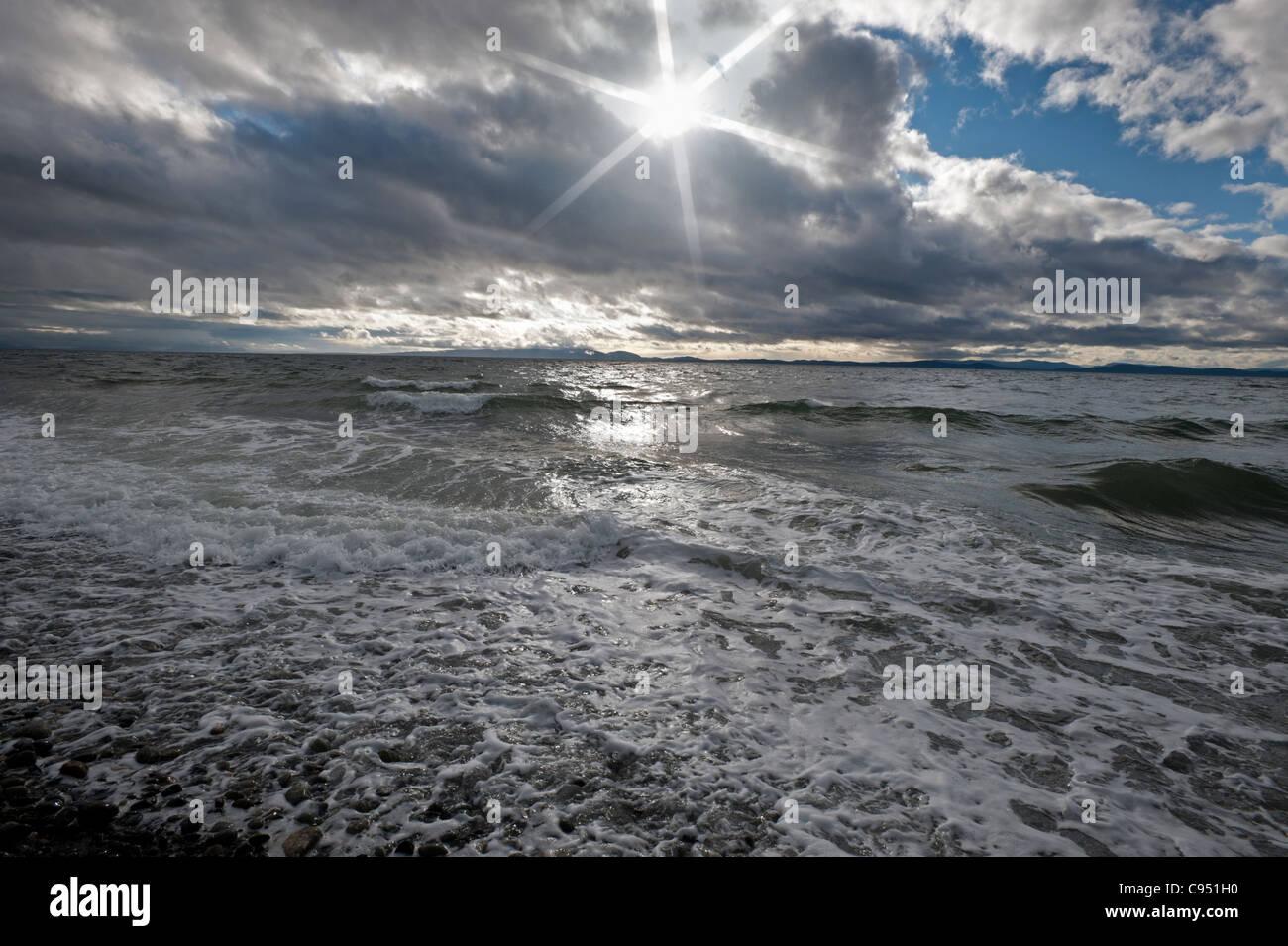 Dans l'océan Pacifique et les ondes de tempête Banque D'Images