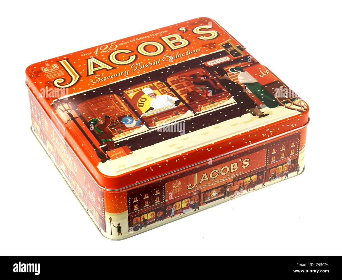 Boîte de biscuits de marque Jacob's Biscuit ou isolés de sélection sur un fond blanc avec un chemin de détourage Banque D'Images
