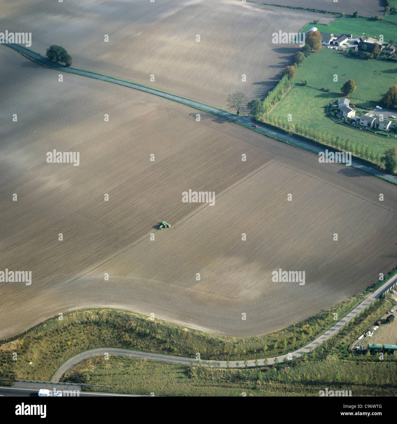 Photographie aérienne des terres agricoles en friche et la plantation d'automne de germination, Oxfordshire, Photo Stock