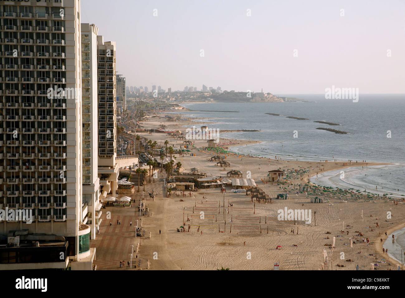 Vue sur l'horizon et de plages de Tel Aviv, Israël. Banque D'Images