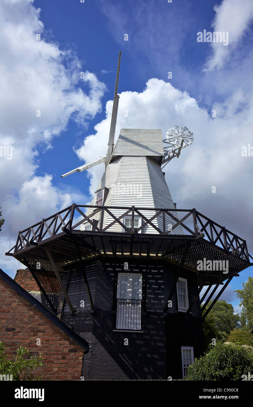 Moulin à vent restauré dans le soleil d'été, Rye, East Sussex, England, UK, Royaume-Uni, Photo Stock