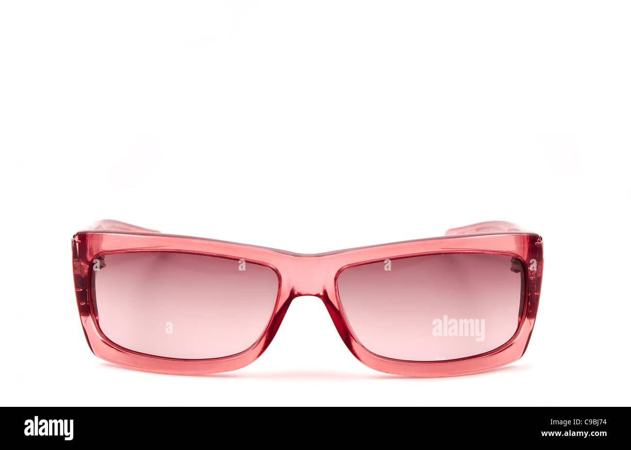 Une paire de lunettes rose chers isolé sur fond blanc Photo Stock fc3ff6483e1a
