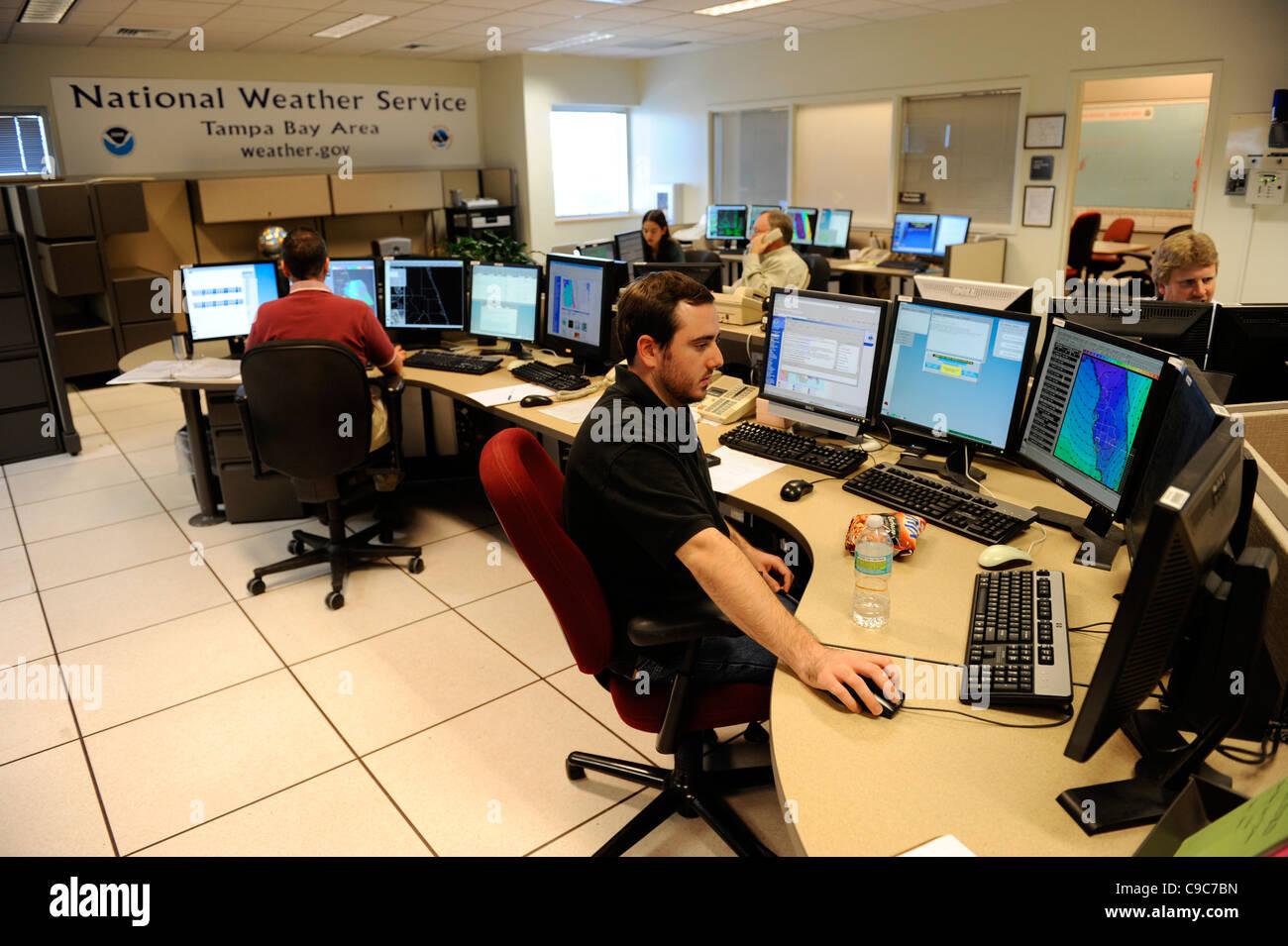 Météorologue doppler radar plan de la zone de travail des études l'étude de la technologie Photo Stock