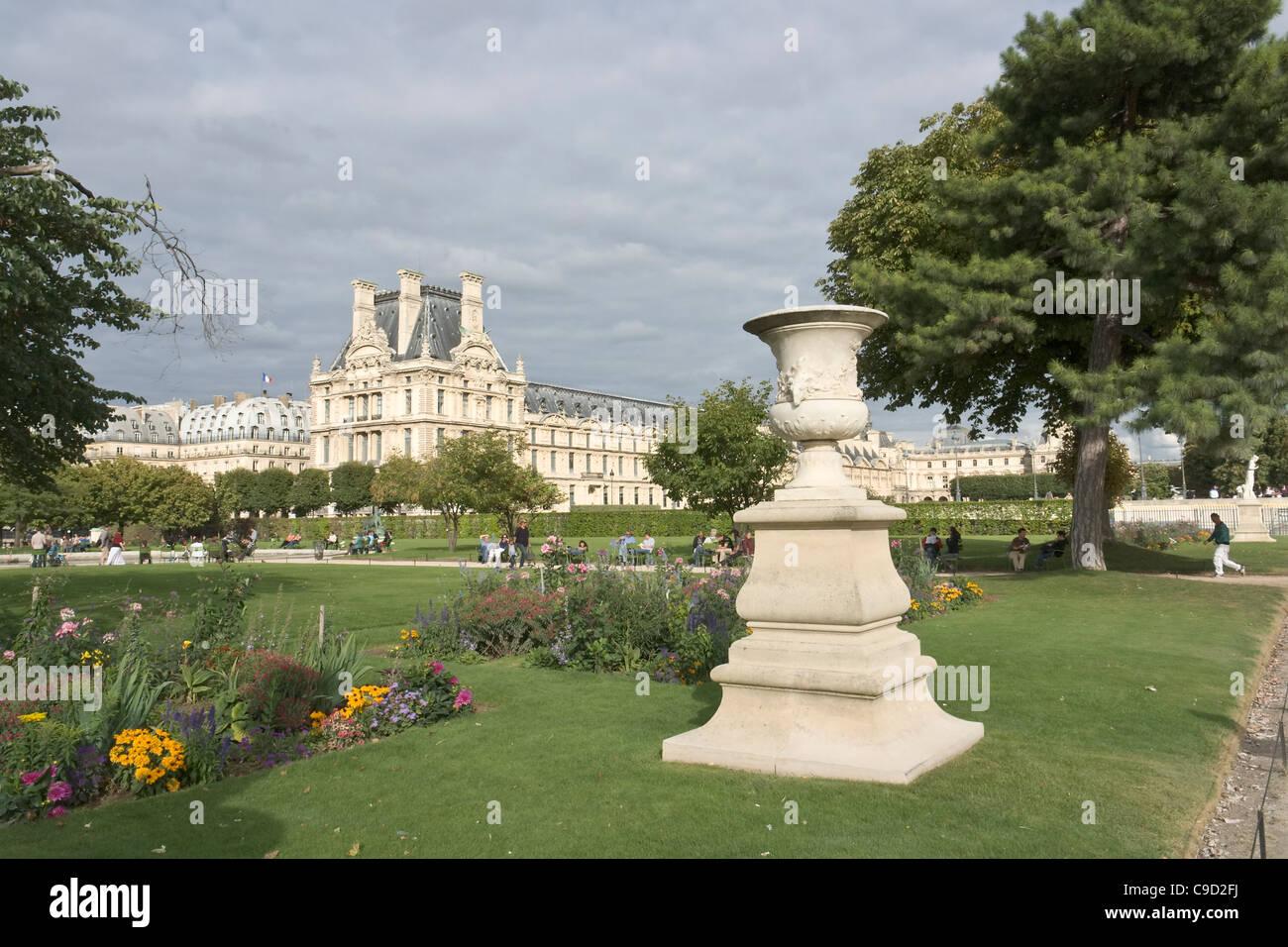Jardin Des Tuileries Pavillon De Marsan Palais Du Louvre Avec