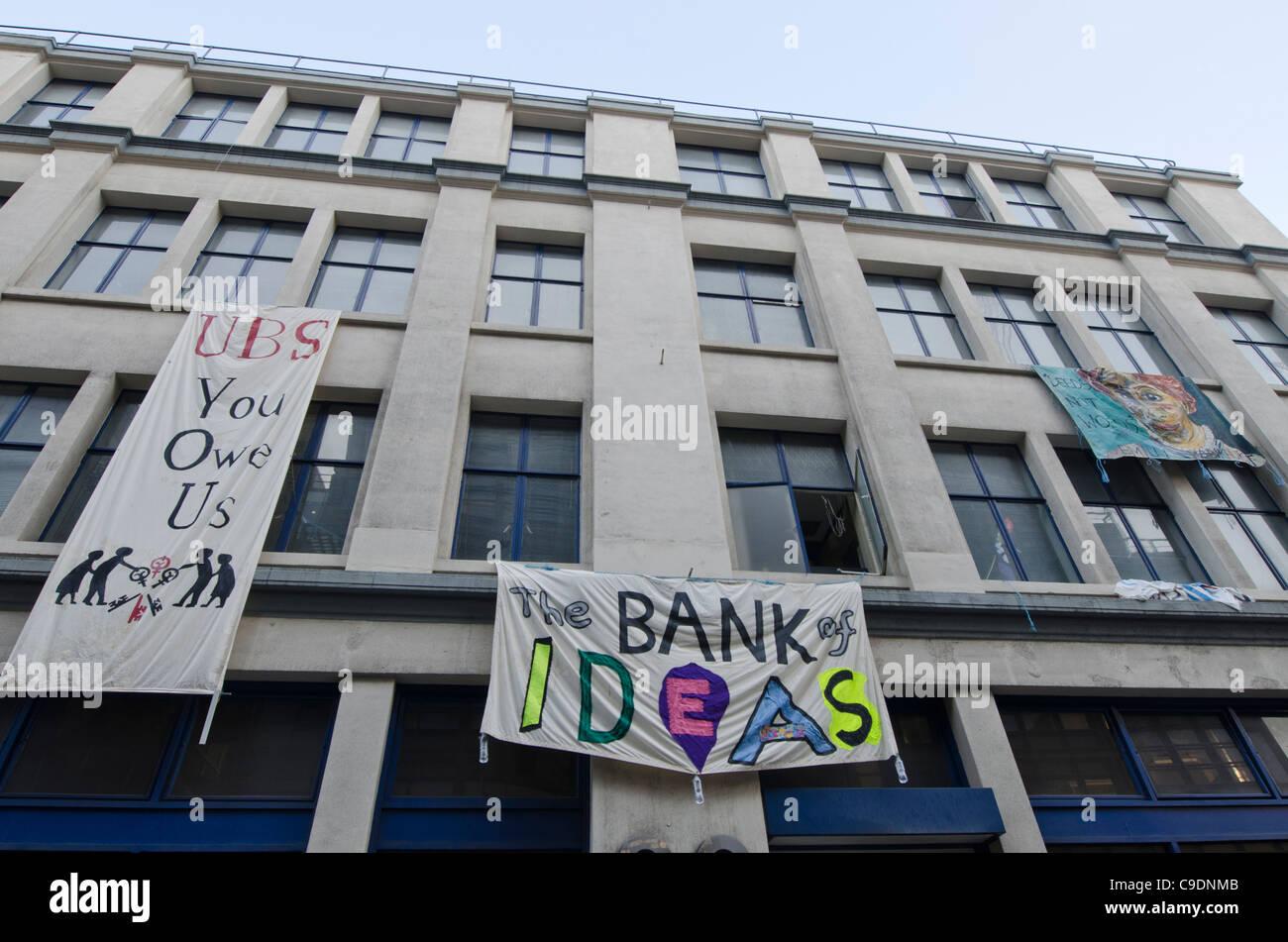 Les défenseurs de la justice économique occupait un immeuble de bureaux abandonnés appartenant à Photo Stock