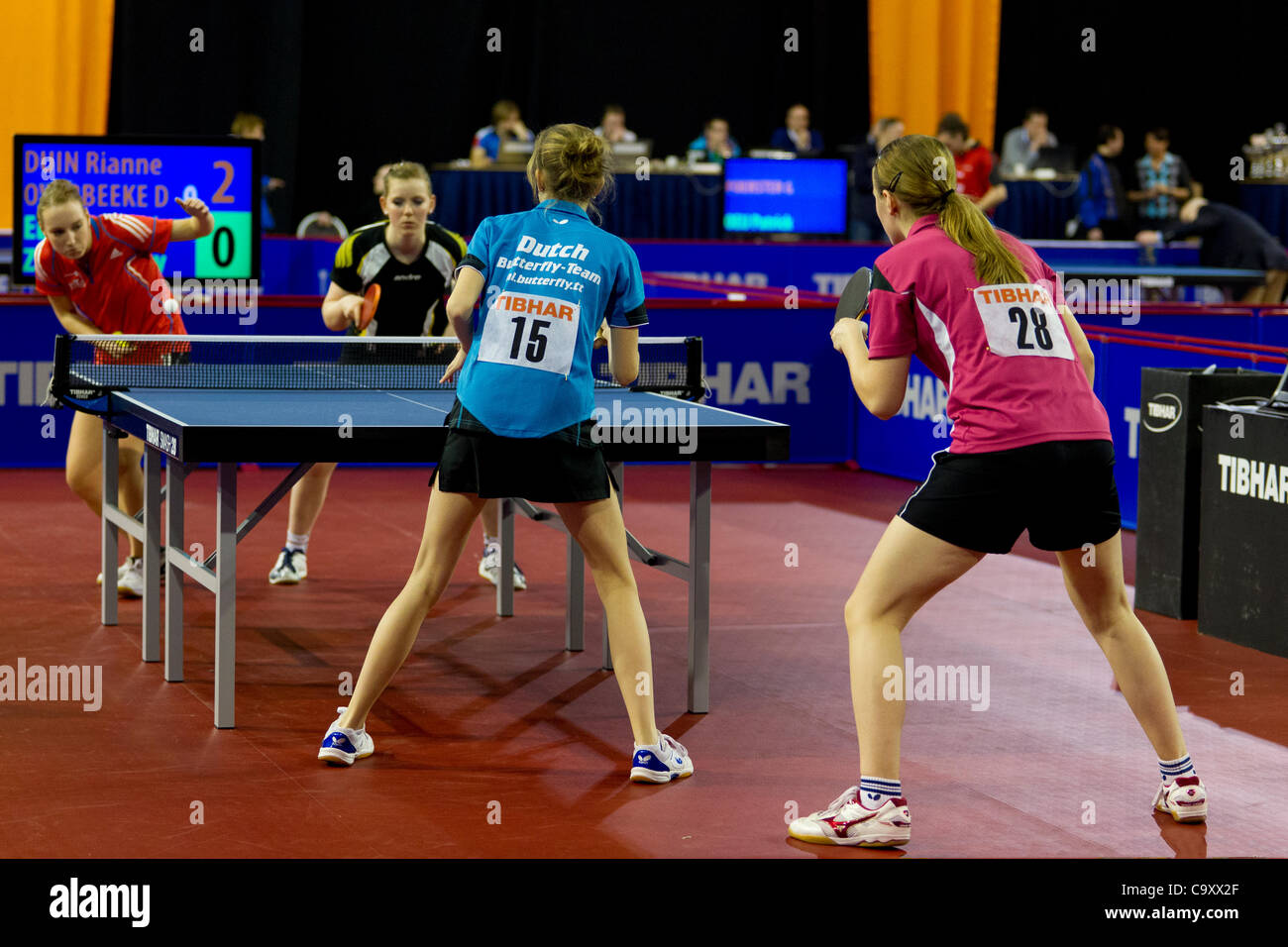 EINDHOVEN (Pays-Bas), 03/03/2012. Aperçu d'un match de double dames au tennis de table championnats 2012 Photo Stock