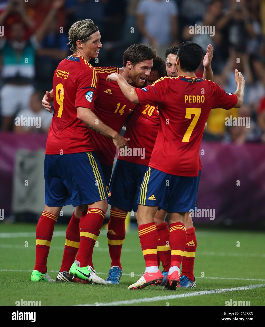 XABI ALONSO et l'équipe de célébrité Espagne V France EURO 2012 DONBASS ARENA DONETSK UKRAINE Photo Stock