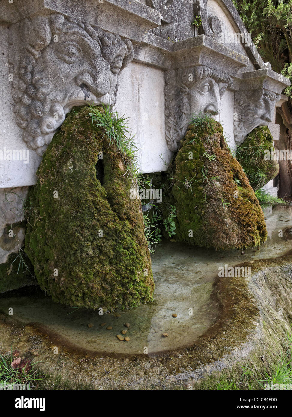 chaussures de sport style populaire achat authentique Fountain Lourmarin Provence France Photos & Fountain ...