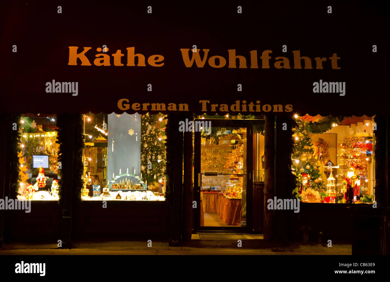 Kathe Wohlfahrt des traditions allemandes shop Stillwater, Minnesota dans la nuit Photo Stock