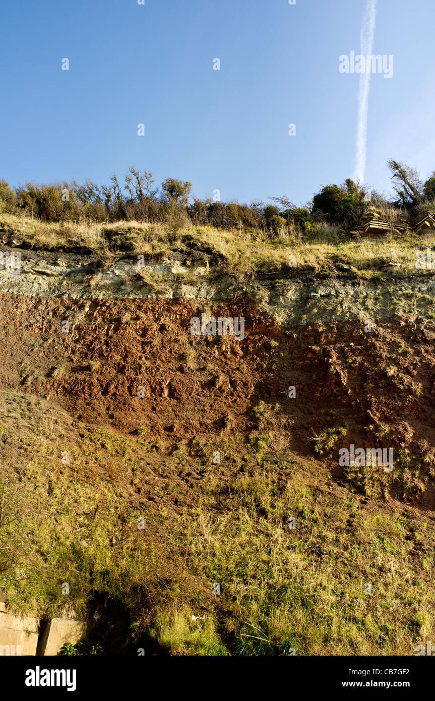 Un défaut géologique sur le site SSSI Aust Falaise. Photo Stock