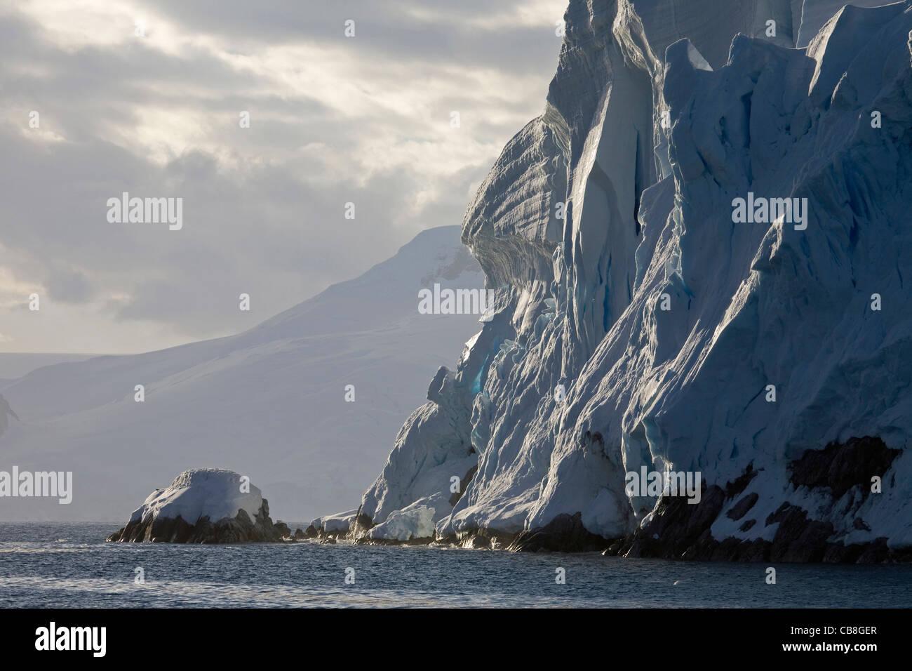 La mer de l'Antarctique et se désagrège mur de glace de glacier à l'Antarctique Photo Stock