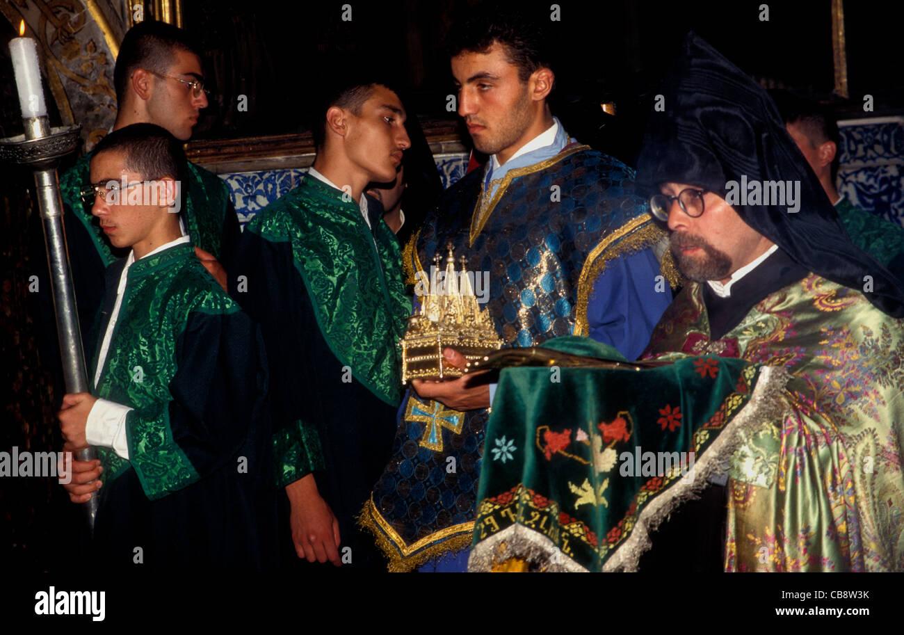 Au service des prêtres d'une église orthodoxe arménienne St James Jérusalem Photo Stock