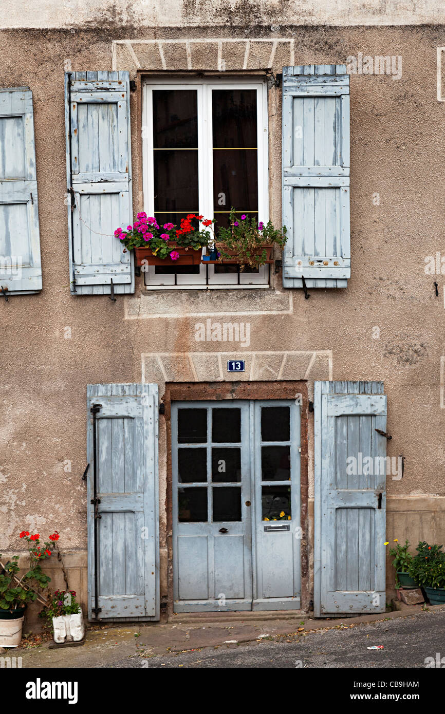 Porte Et Fenêtre Avec Volets Et De Disparition Sans Peinture 13