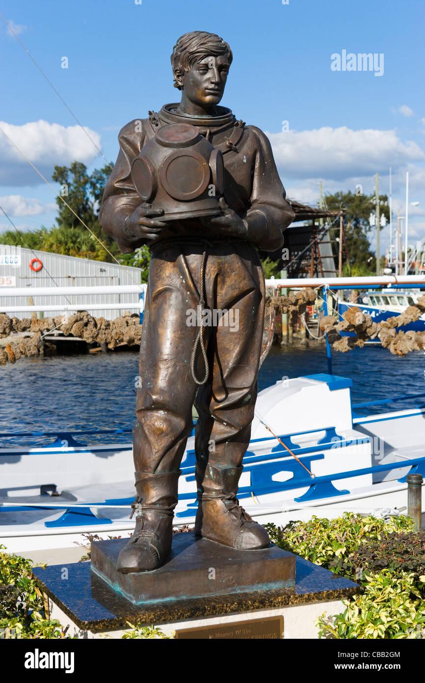 Statue d'un plongeur sur l'Éponge éponge Docks, Tarpon Springs, la Côte du Golfe, Florida, Photo Stock