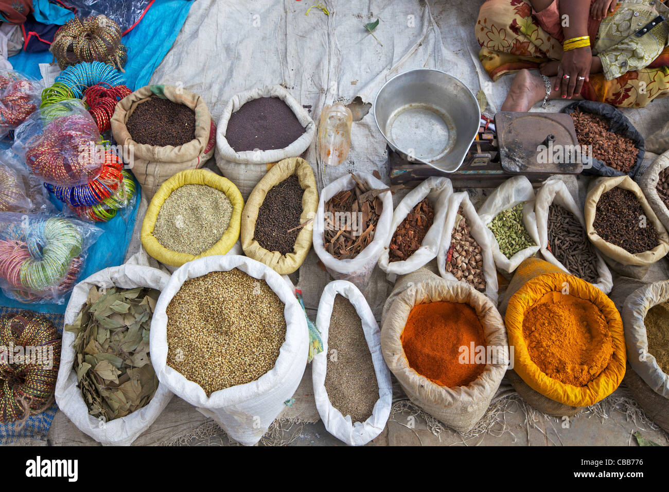 Épices à vendre dans la rue du marché, Katmandou, Népal, Asie Photo Stock
