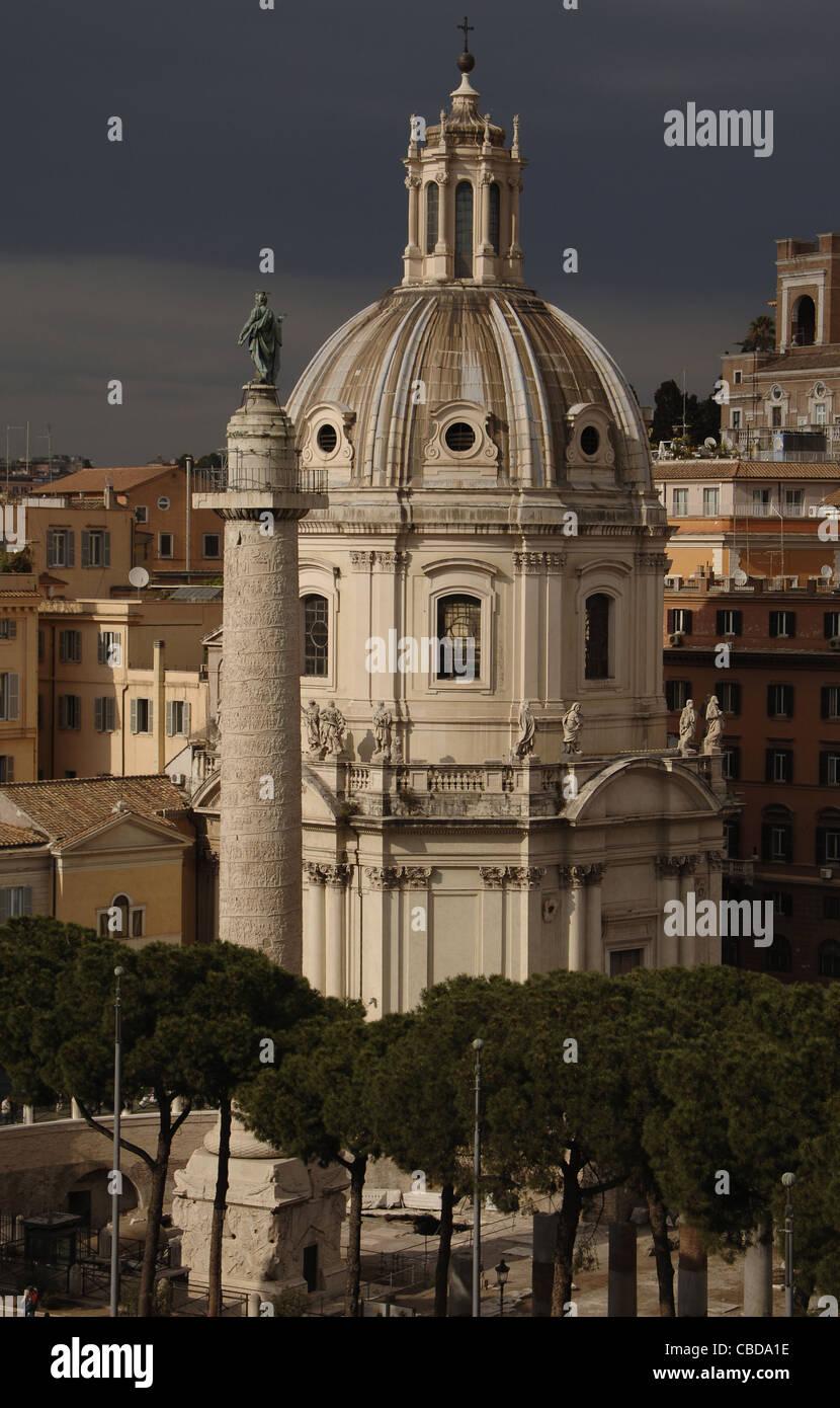 L'Italie. Rome. Église de la très saint Nom de Marie. 18e siècle. Tout d'abord, la colonne Photo Stock
