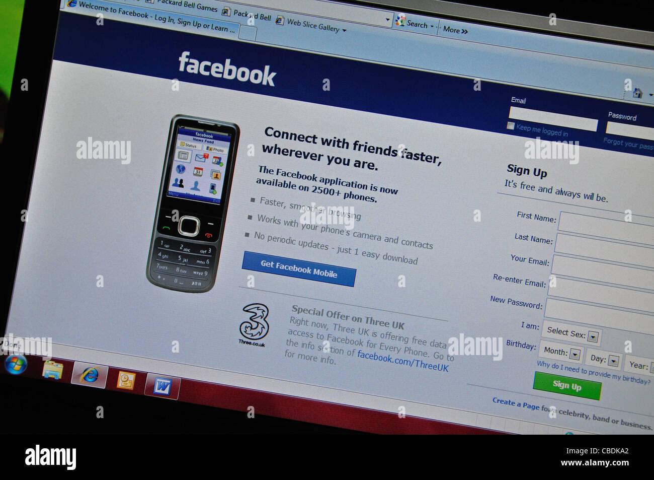 Page de connexion Facebook sur l'écran d'ordinateur, Greater London, Angleterre, Royaume-Uni Photo Stock