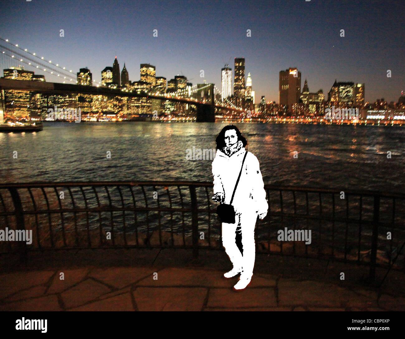 USA New York City - Pont de Brooklyn dans la nuit avec un modèle spécial en b/w Photo Stock
