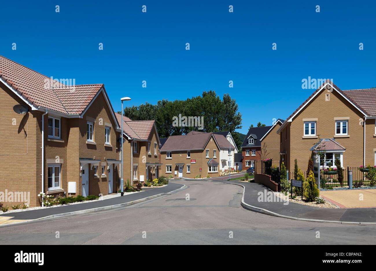 Sur la route nouvelle estate avec Barratt homes for sale Abergavenny Pays de Galles UK Banque D'Images
