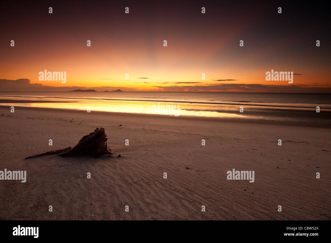Daybreak à Punta Chame sur la côte du Pacifique, Panama province, République du Panama. Photo Stock