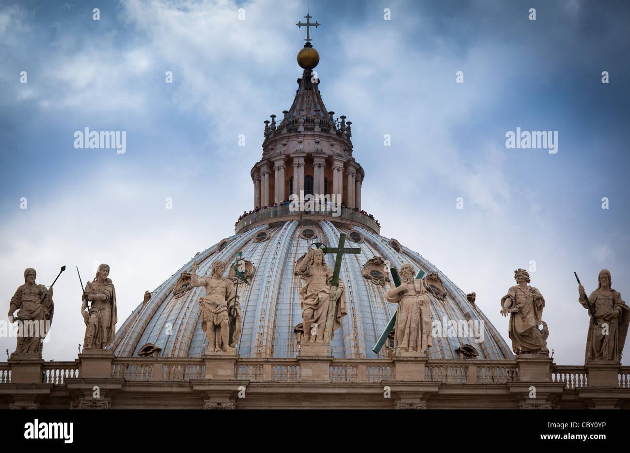 Toit de la Basilique Saint Pierre au Vatican, Rome, Italie Photo Stock
