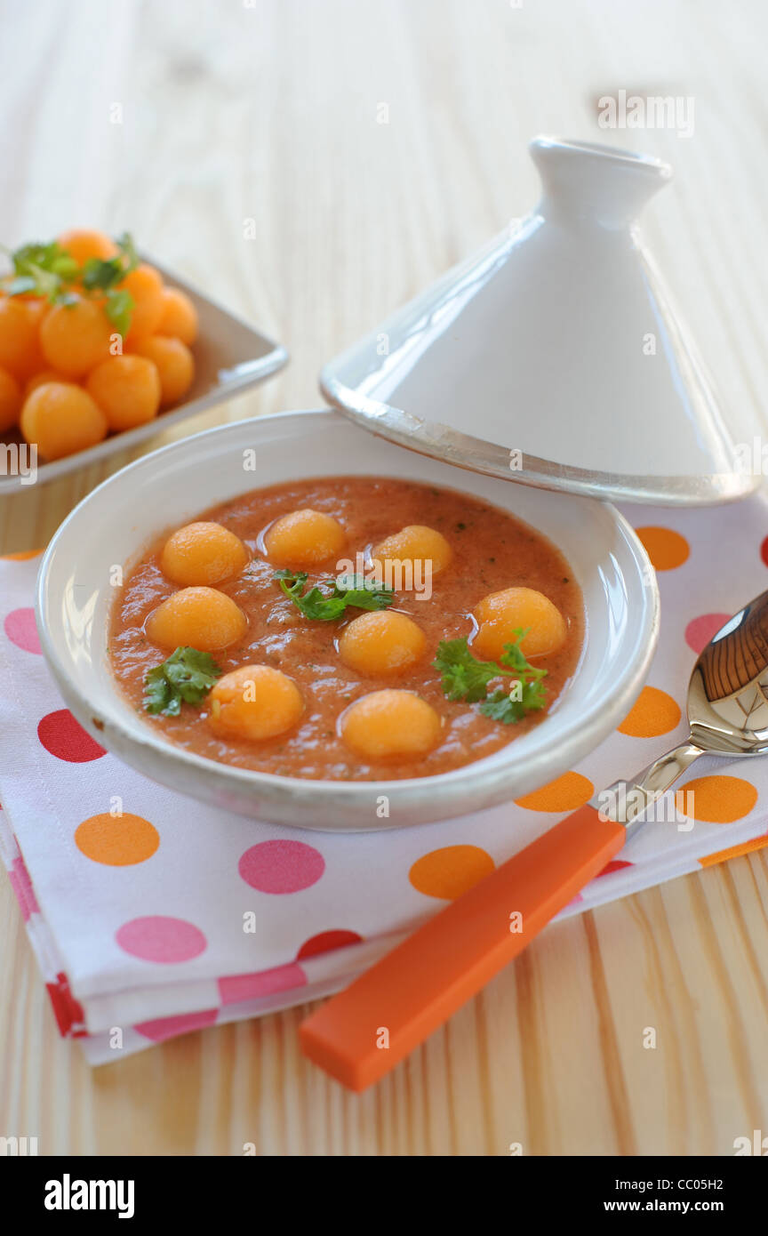 Melon, tomate et coriandre Soupe glacée Photo Stock