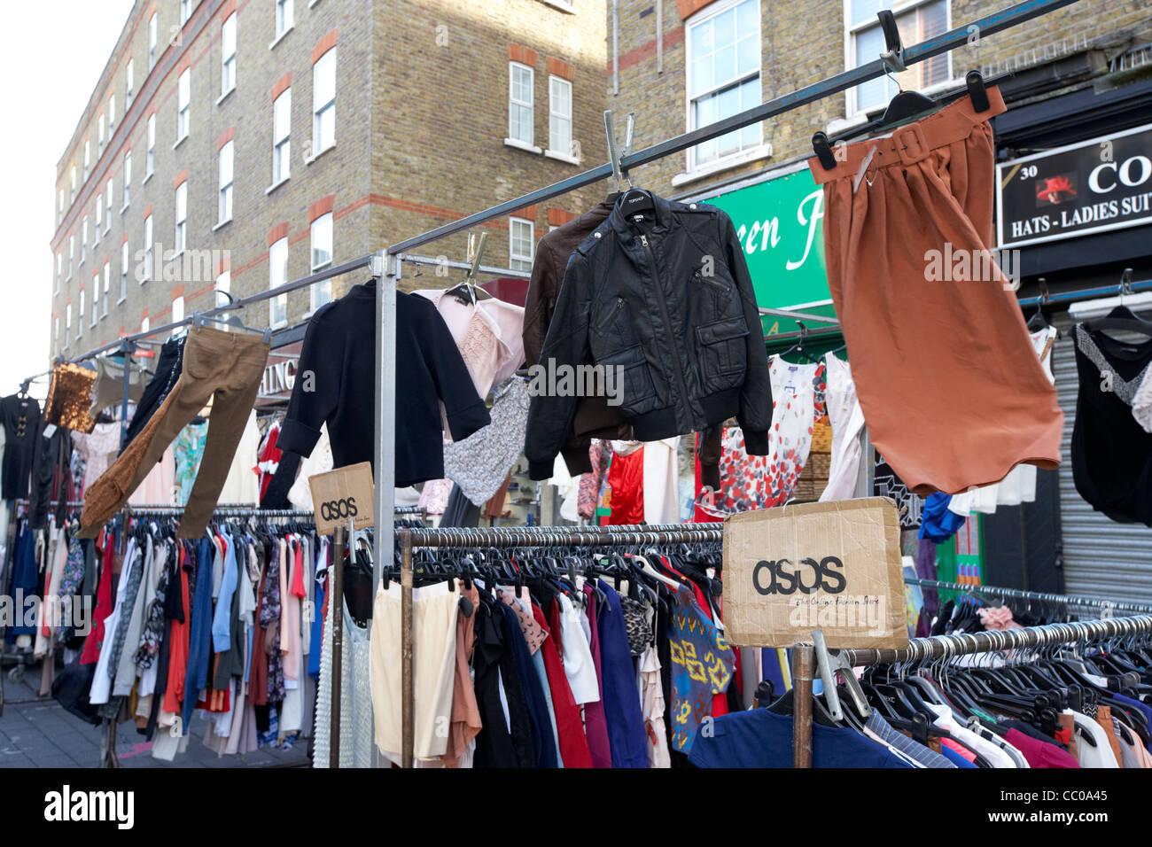 Vêtements street market Petticoat Lane London England uk united kingdom Photo Stock
