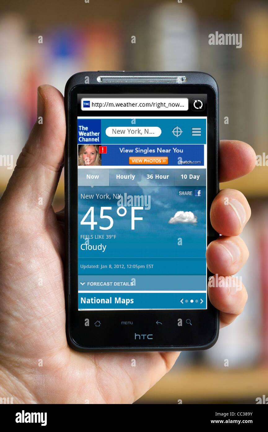 Le Weather Channel sur un smartphone HTC Photo Stock