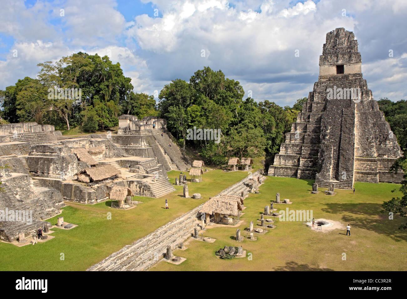 les ruines de tikal guatemala
