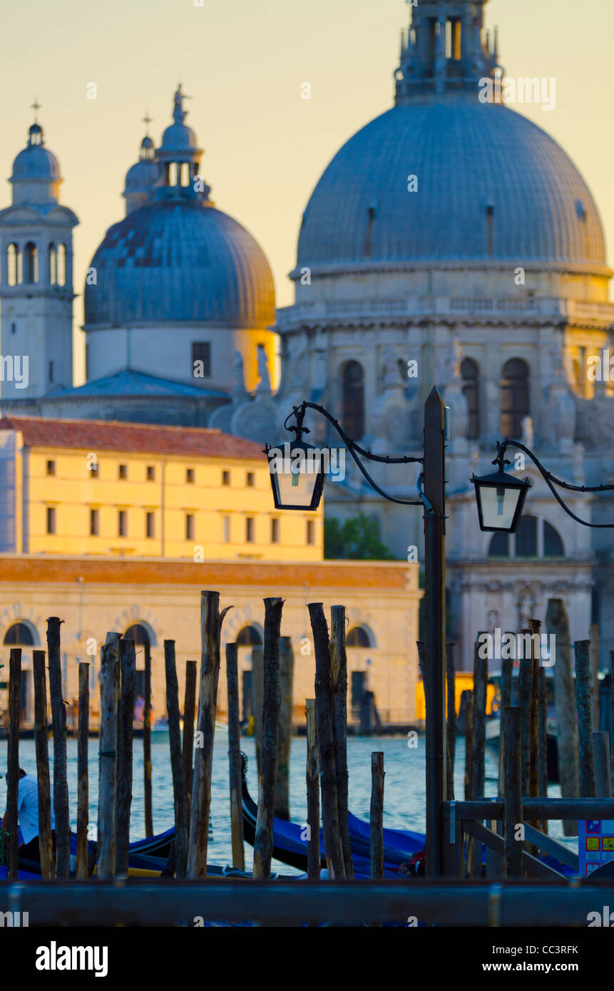Italie, Vénétie, Venise, l'église Santa Maria della Salute voyage Basino di San Marco Photo Stock