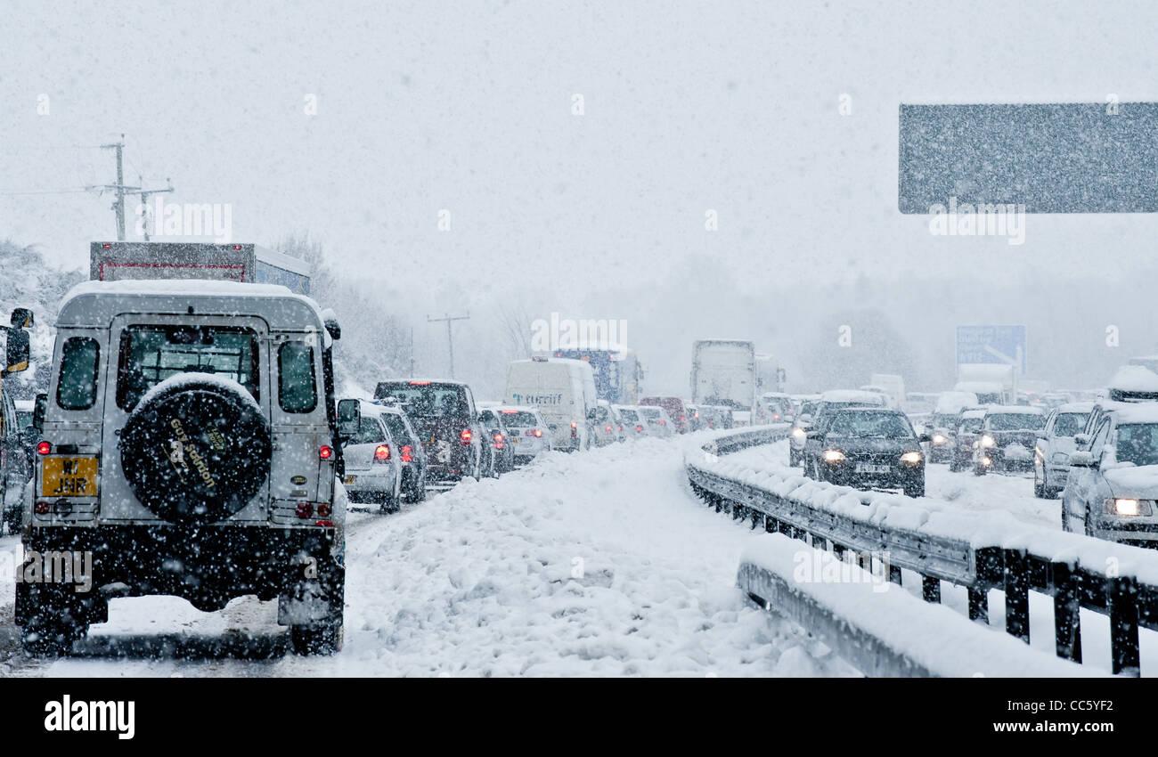 L'accumulation de neige sur les routes en Ecosse Banque D'Images