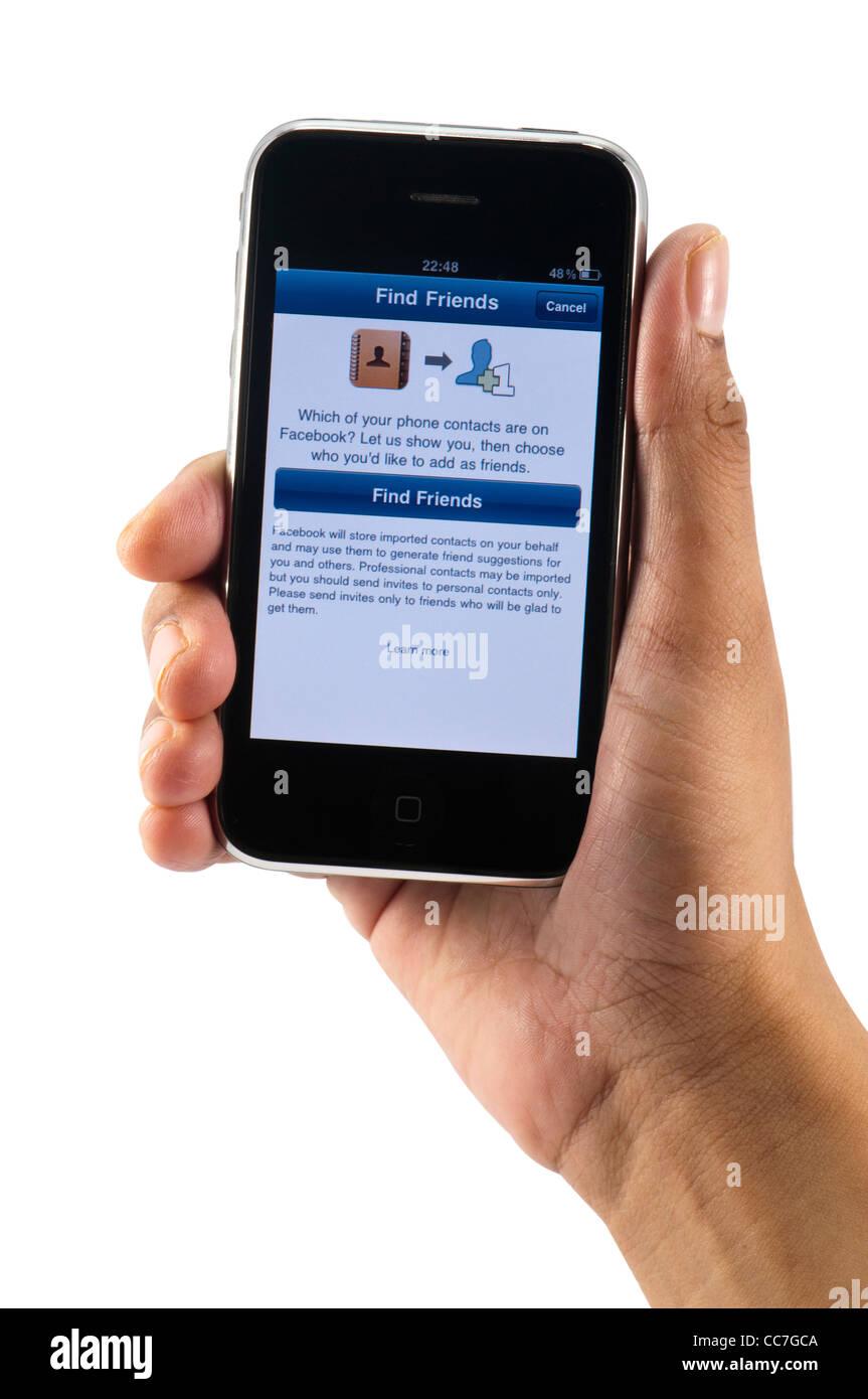 Trouver des amis dans la page Facebook de l'iphone App Photo Stock