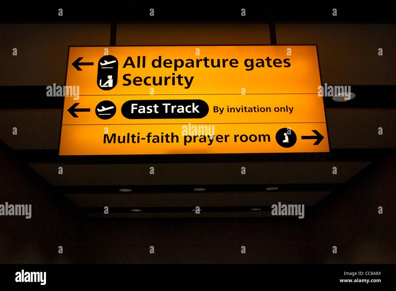 Uk airport salle de prière multiconfessionnelle sign Banque D'Images