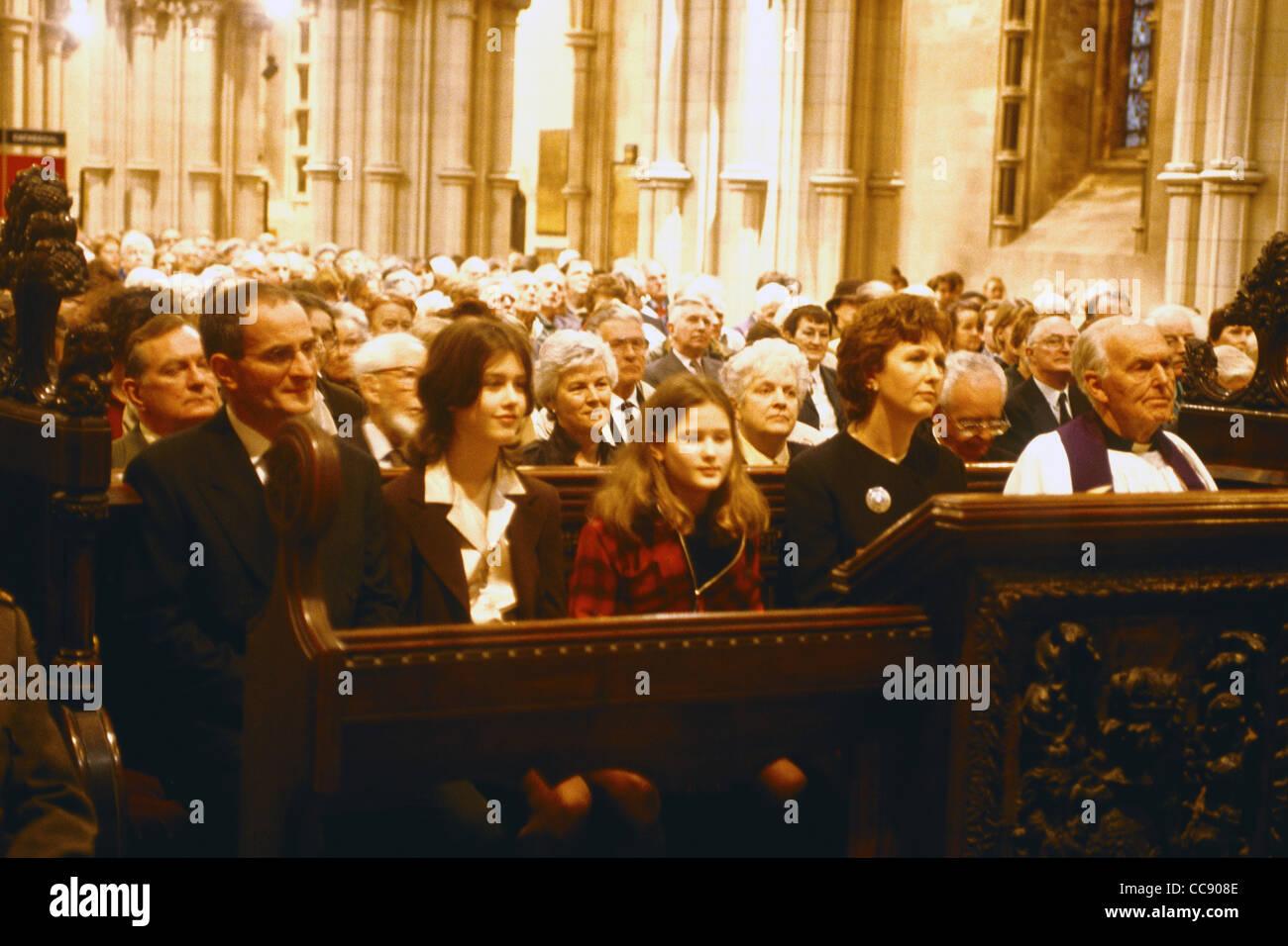 Présidente irlandaise Mary Mc Aleese avec sa famille assister à un service dans la Cathédrale Christ Photo Stock