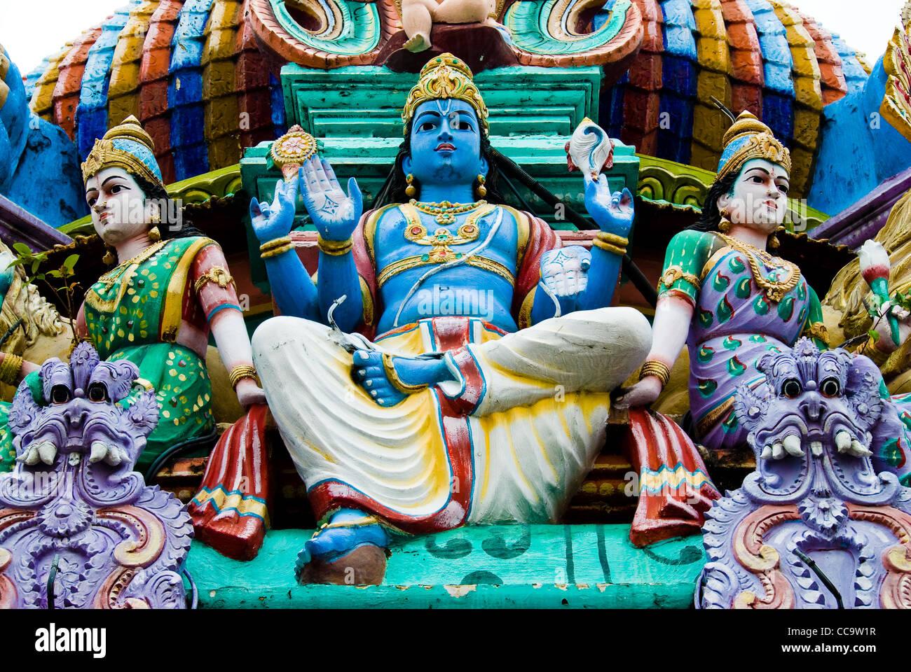 Statues sur un temple hindou, Singapour Photo Stock